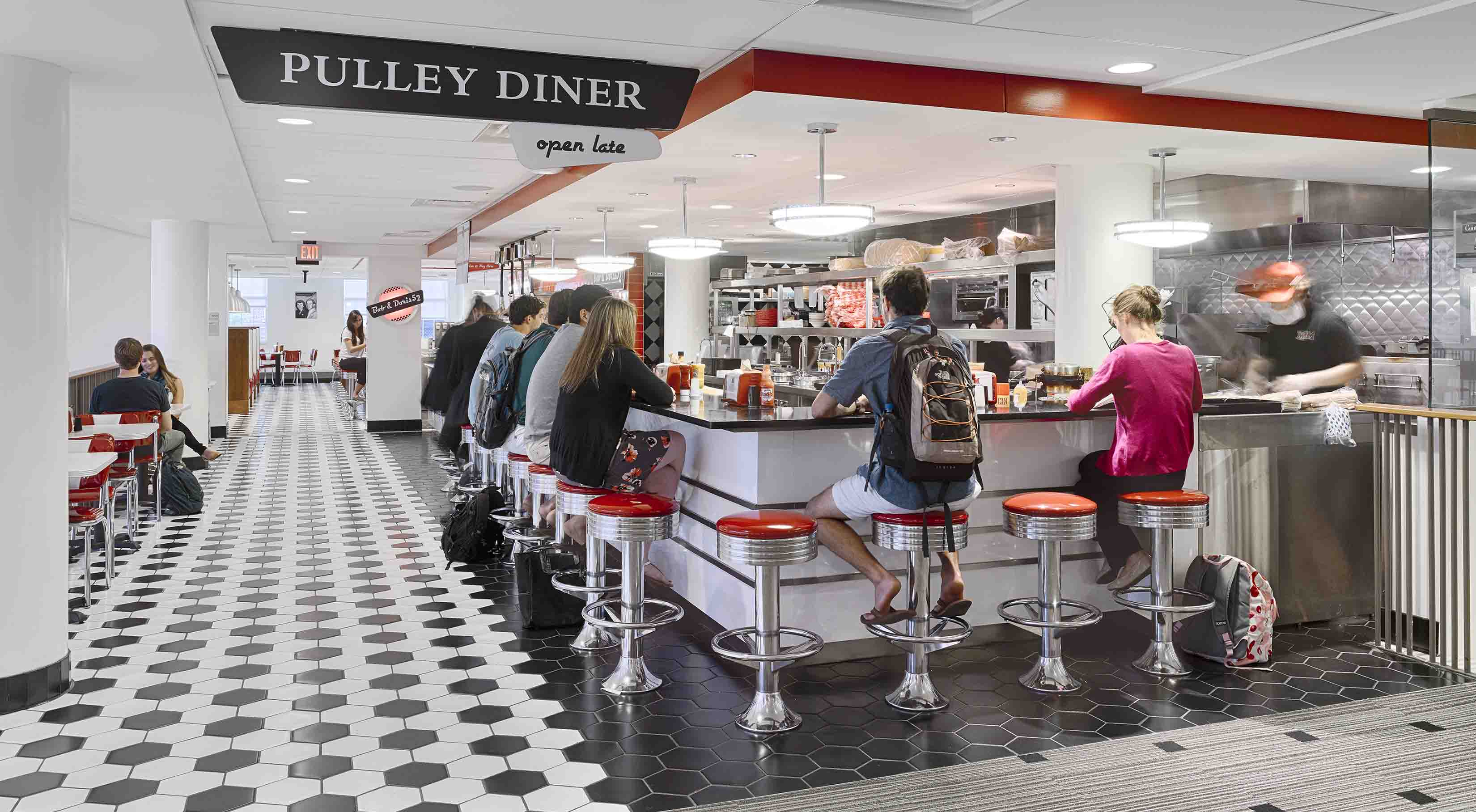 Students seated a Pulley Diner at the Armstrong Student Center